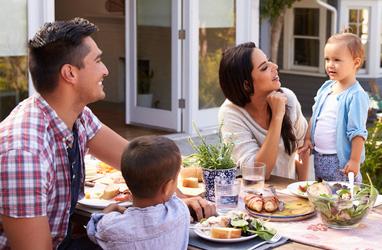 Familia, hacer un picnic